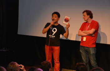 AtsushiFunahashi,RegisseurRaiseYourArmsandTwist